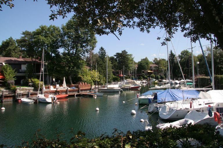 Nos biens immobiliers vendus sur evian et le lac l man evian sotheby 39 s international realty - Restaurant port de thonon ...